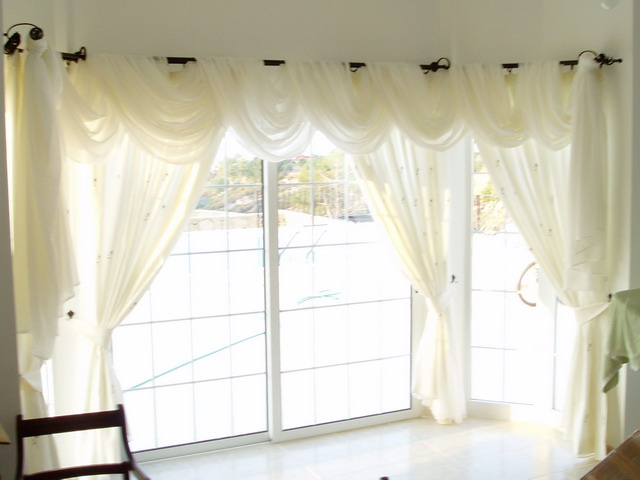 Decorate Curtain Pole So Not Bare Without Curtains